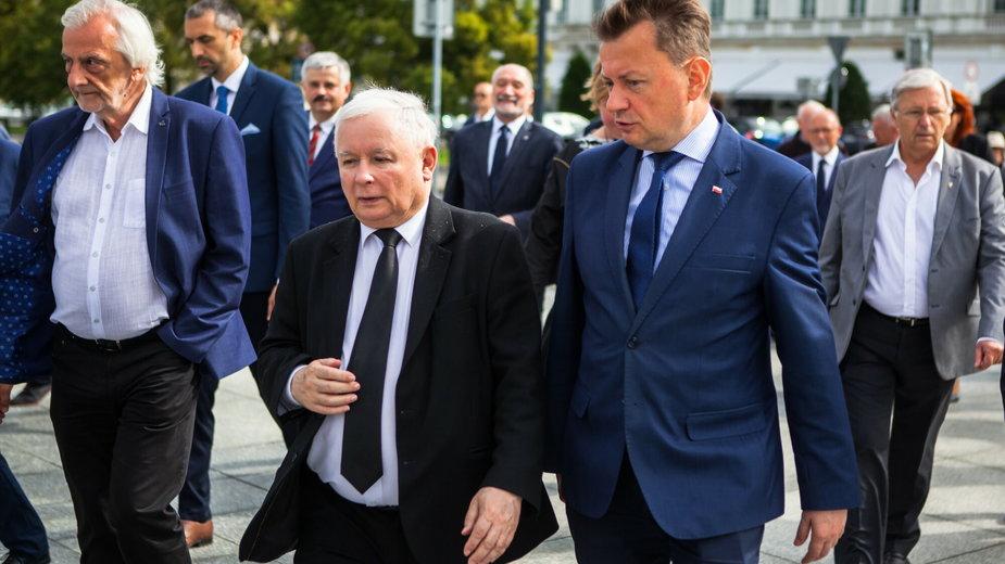 Jarosław Kaczyński podczas miesięcznicy katastrofy smoleńskiej, 10 lipca 2020 r.