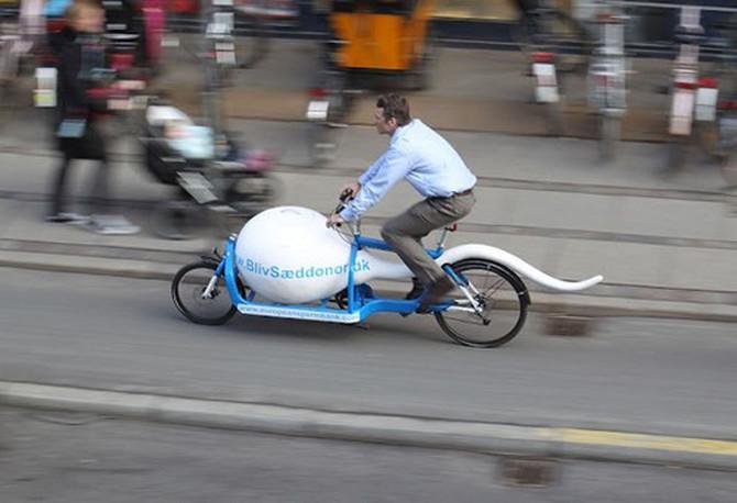 Reklamni bicikl danske banke sperme