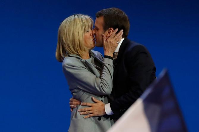 Brižit i Emanuel Makron nakon rto je saopšteno da je on pobedio na predsedničkim izborima u Francuskoj 2017. godine