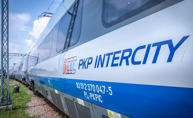 PKP Intercity w ciągu 10 lat ma dostać od państwa 19 mld zł. Eksperci boją się umocnienia monopolu.