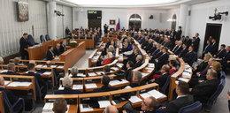 Zabiorą Senatowi 100 mln zł na Polonię