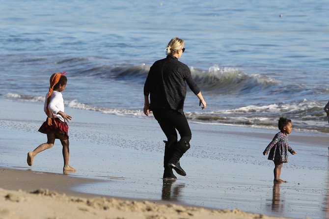 Šarliz Teron sa decom