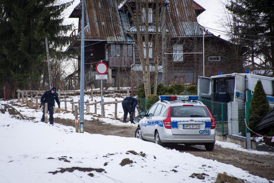 Horror w Zakopanem. Mężczyzna włamał się do domu i brutalnie zaatakował dwie siostry