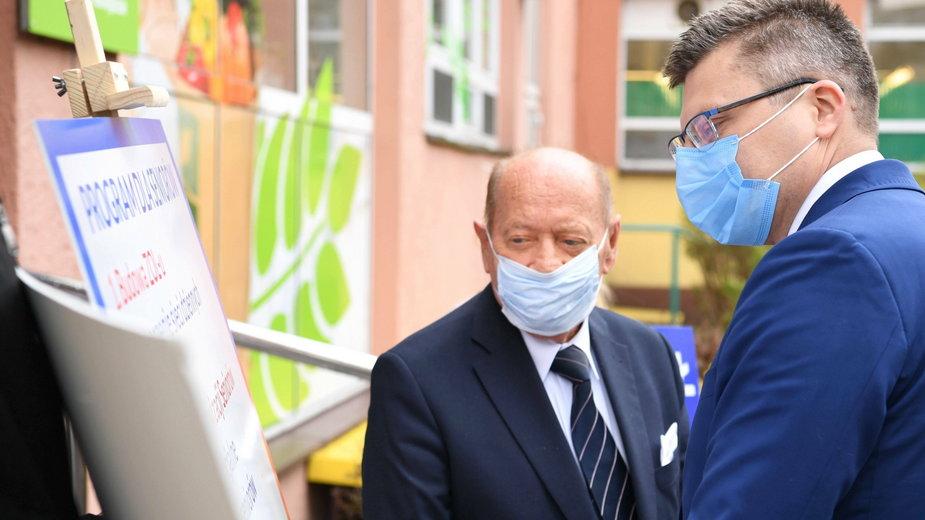 Kandydat na prezydenta Rzeszowa Marcin Warchoł i były prezydent tego miasta Tadeusz Ferenc