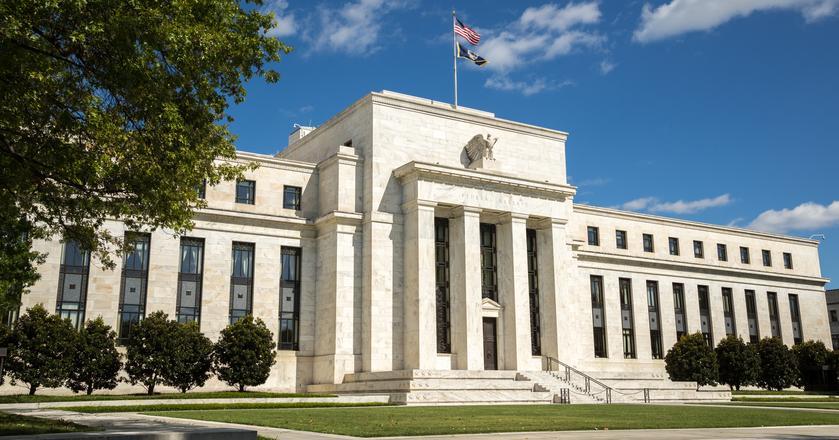 Członkowie Fed skłaniają się do podwyżki stóp procentowych w USA.