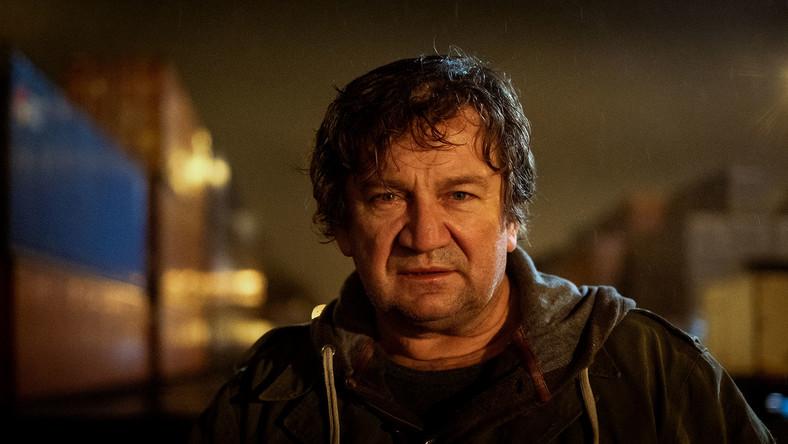 """Paweł Królikowski w filmie """"Sługi wojny"""" (2019)"""