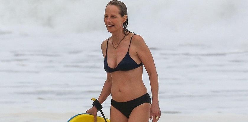 Zgadniesz, ile lat ma ta piękność w skąpym bikini?