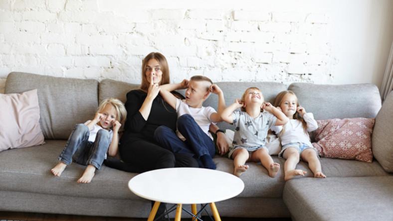rodzina, mama, dzieci/fot. Shutterstock