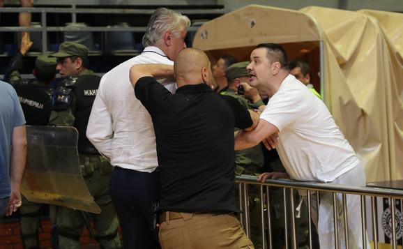 Vladan Mitrović se verbalno obračunavao sa