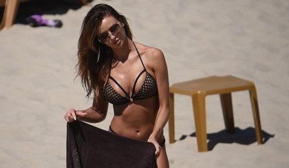 Ciało Pietrasińskiej sensacją na plaży! [FILM]