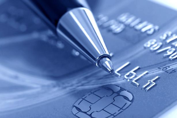 Banki zachęcają seniorów do zakładania konta na preferencyjnych zasadach.