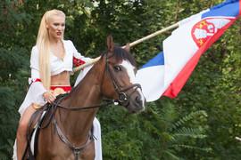 DRAMA NA SNIMANJU Voditeljka Bojana Ristivojević pala s konja