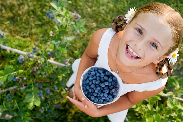 devojčica borovnice