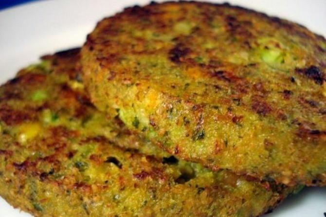 Vegetarijanske pljeskavice sa hlebom: Savršen doručak od 5 sastojaka!