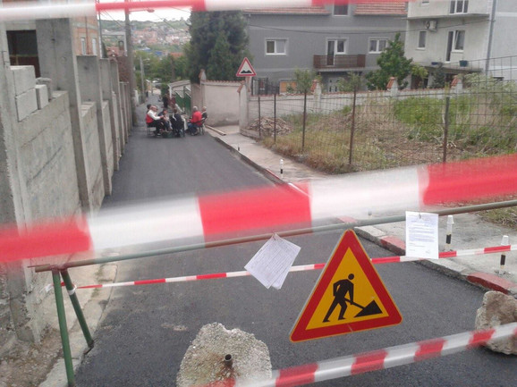 Stanari Ulice Milana Predića protestovali su tražeći bezbedniji saobraćaj