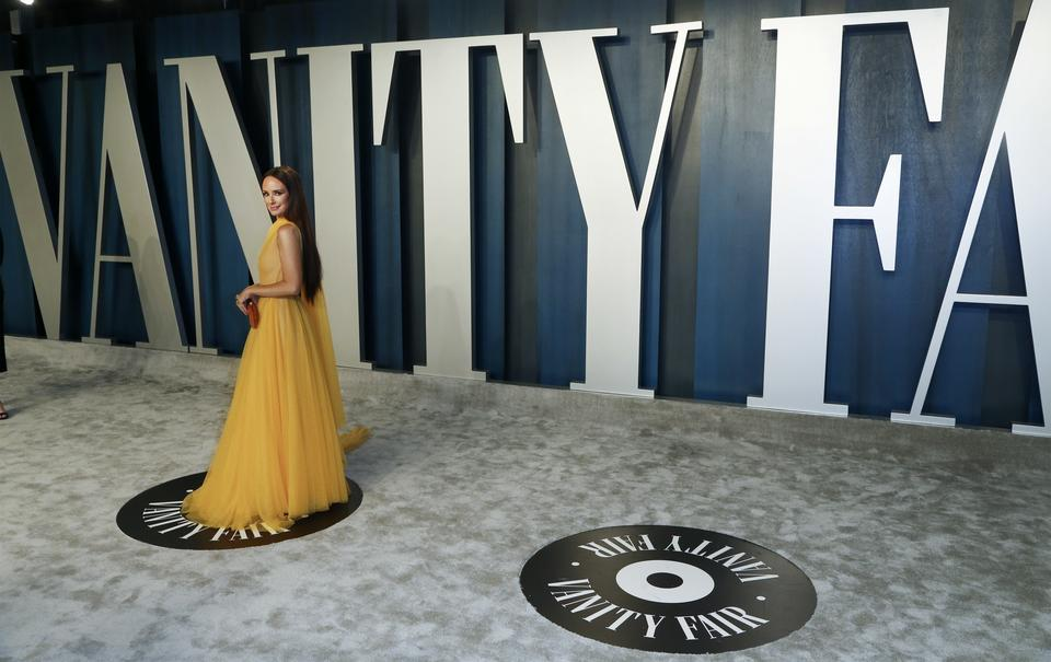 Oscary 2020: Catt Sadler na Vanity Fair Oscar Party