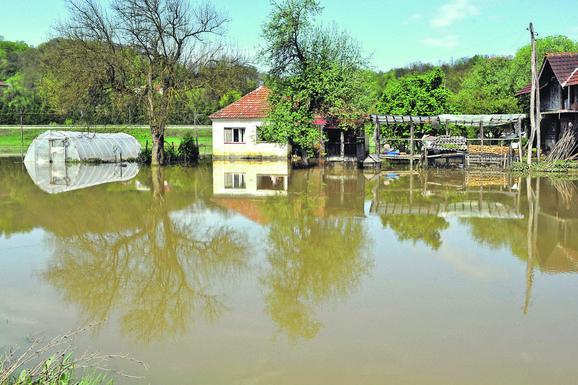 STALNO POD VODOM: Jedna od ranijih poplava