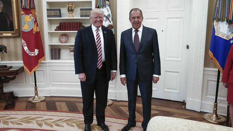 Donald Trump i Siergiej Ławrow w Gabinecie Owalnym 10 maja br.