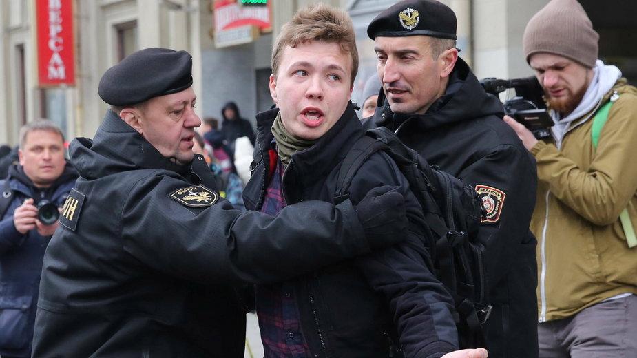 Roman Protasiewicz, podczas próby relacjonowania wiecu w Mińsku, 26 marca 2017 r.
