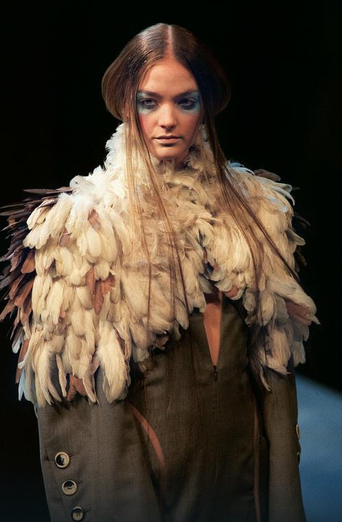 Alexander McQueen dla Givenchy, wiosna-lato 2000
