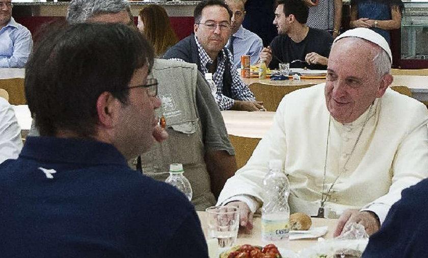 Papież w pracowniczej stołówce
