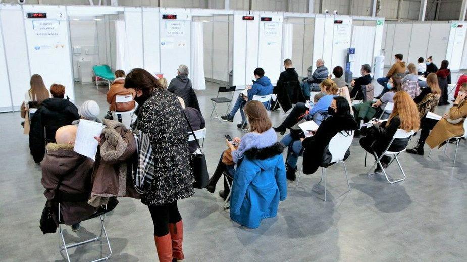 Punkt szczepień na MTP fot Codzienny Poznań