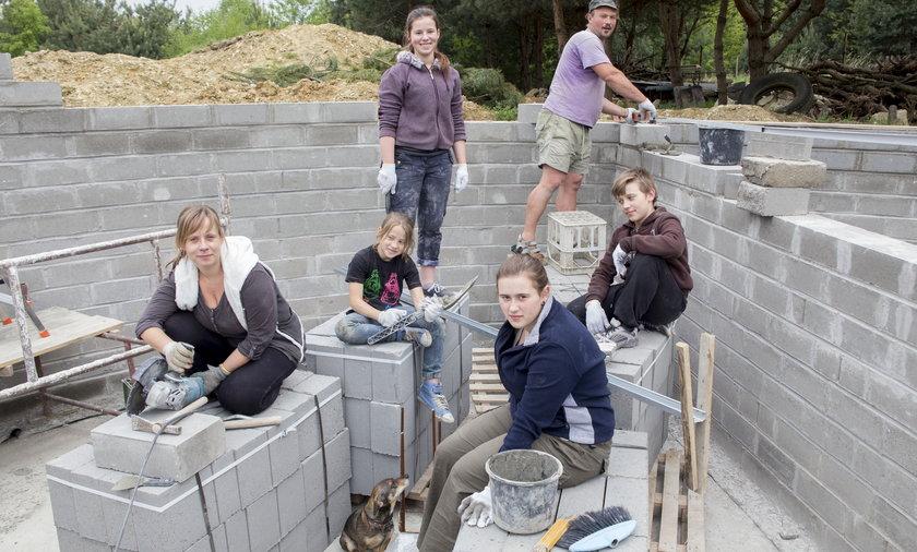 Jak górnik dom buduje