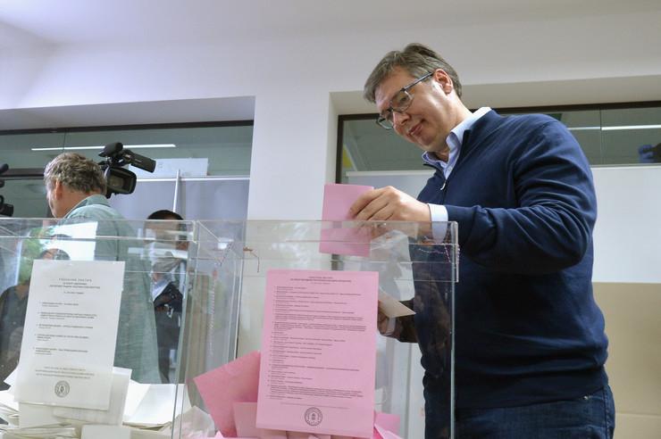 aleksandar vučič glasanje izbori 2020