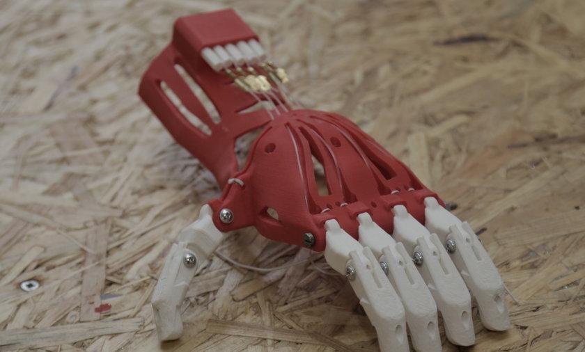 Proteza ręki z drukarki 3D