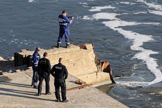 Rozpoczęła się budowa mostu pontonowego na Wiśle