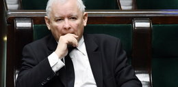 Tajemnica faktury Kaczyńskiego za wieńce. Aż 4 wątpliwości!