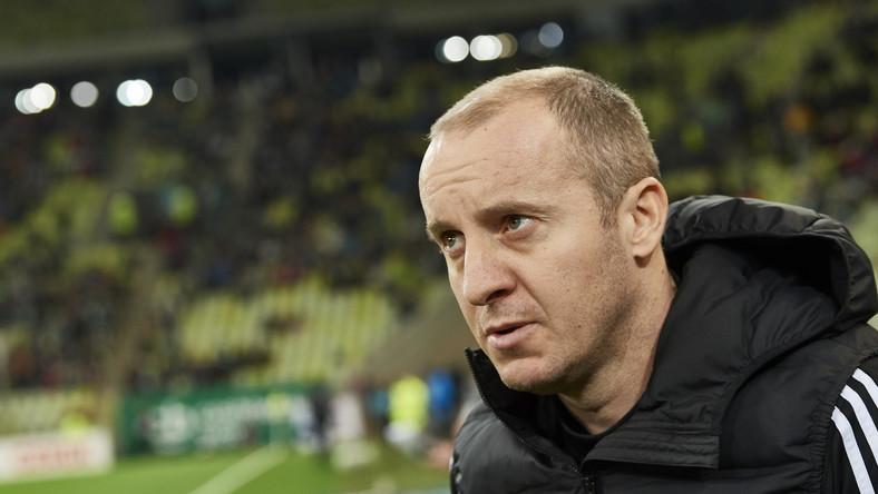 Trener Legii Warszawa Aleksandar Vukovic podczas meczu 25. kolejki piłkarskiej Ekstraklasy z Lechią Gdańsk