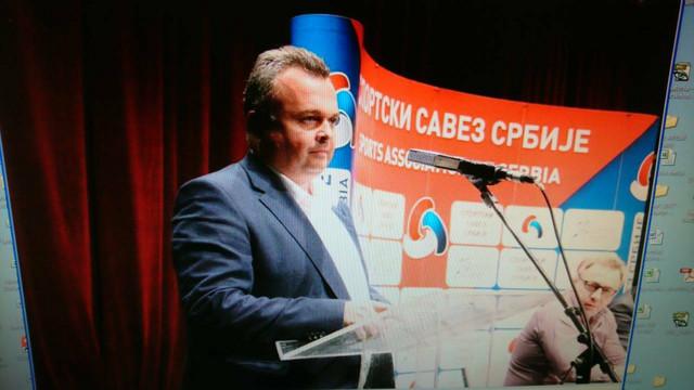 Predsednik Verifikacione komisije Slobodan Đurić pred početak glasanja
