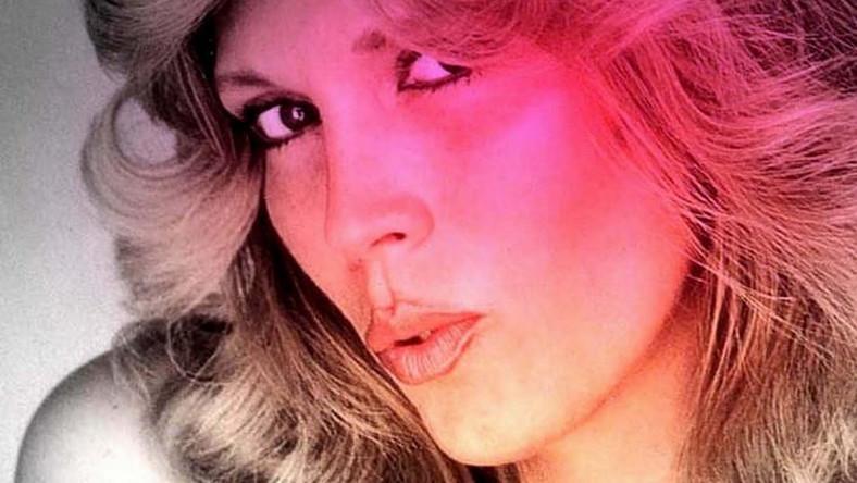 """W latach 70. i 80. była królową europejskiego disco, a to za sprawą takich hitów, jak """"Tomorrow"""", """"Queen of Chinatown"""", """"Follow Me"""", """"The Sphinx"""" i """"Fashion Pack"""" czy """"Enigma (Give a Bit of Mmh to Me)"""". Ten ostatni przypomniała nam kilka lat temu reklama czekoladowego batonika"""