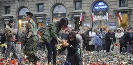 Tak celebryci cierpieli po 10 kwietnia. FOTO