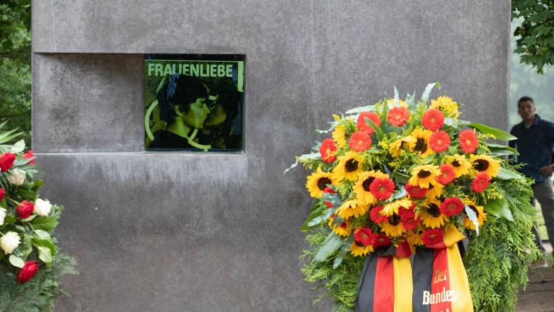 Pomnik homoseksualnych ofiar nazizmu w parku Tiergarten w Berlinie
