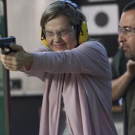 """""""Przyjaciółki"""": dziewczyny szaleją na strzelnicy! Co chcą odreagować?"""