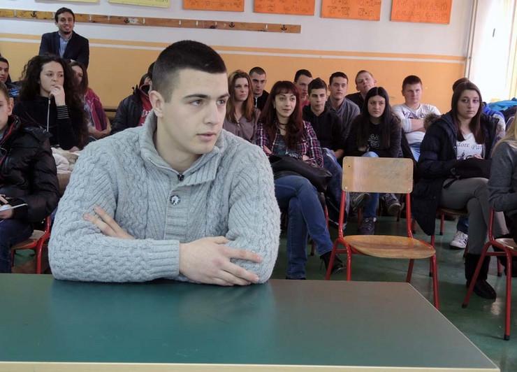 Pobednik u pamćenju decimala: Stefan Mirosavljević