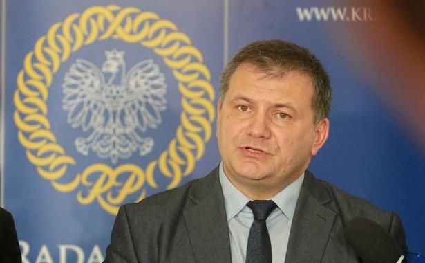 Aprobata dla wskazanego zachowania sędziego Waldemara Żurka wyrażona w Uchwale może budzić wątpliwości, czy prowadzenie tej sprawy w obszarze apelacji krakowskiej wolne będzie od presji środowiska, godzącej w bezstronność czynności.