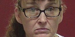 Za karę włożyła nóżki 2-latki do wrzątku