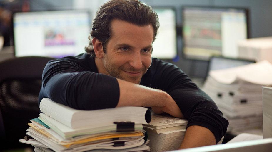 """Bradley Cooper w filmie """"Jestem Bogiem"""""""