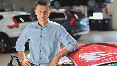 Arkadiusz Nowiński. Polak na przednim siedzeniu w Volvo