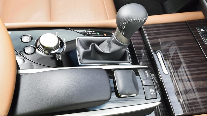 Apple CarPlay dla samochodów Lexus