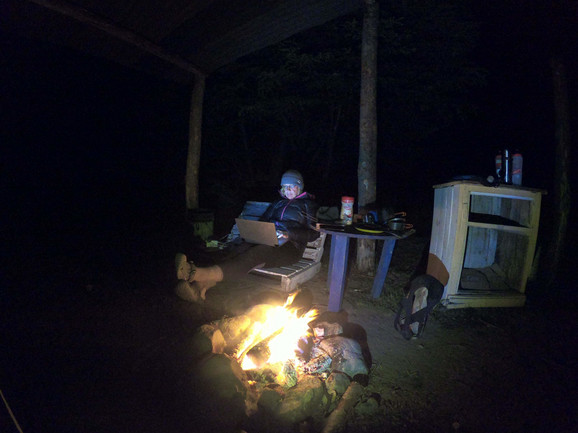 Jedna od poslednjih noći u kampu pre proglašenja vanrednog stanja