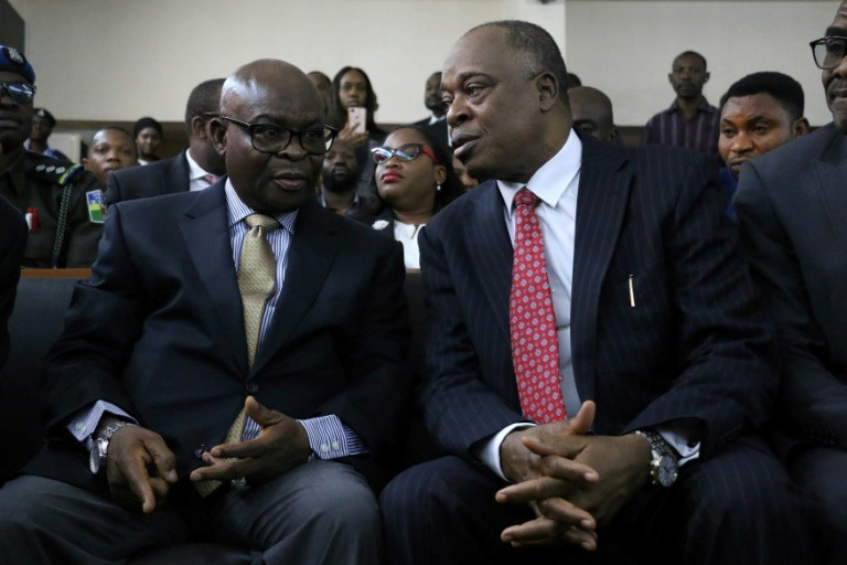 Onnoghen being counselled in court (Sahara Reporters)