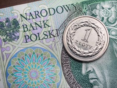 W ubiegłym roku Polacy wzięli kredyty o wartości ponad 130 mld zł