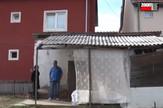 Porodica Mitrović živi u pomoćnom objektu u devet kvadratnih metara