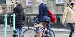 Co ten Urbański wyrabia na rowerze? Przecież tak nie wolno!