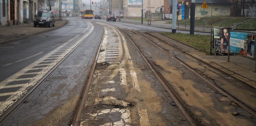 Tramwaj dla Łodzi? Kolejny odcinek torów grozi katastrofą