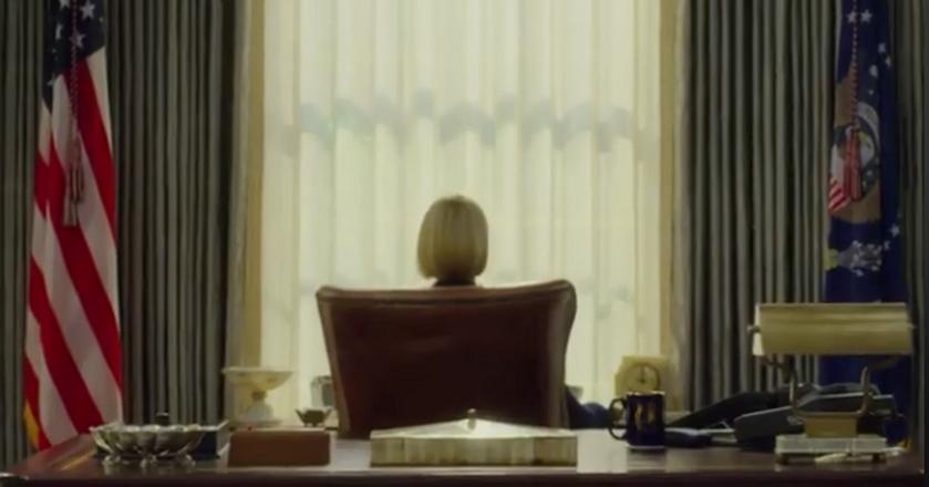 """Kadr ze zwiastunu 6. sezonu """"House of Cards"""". W fotelu głowy państwa zasiada Claire Underwood"""